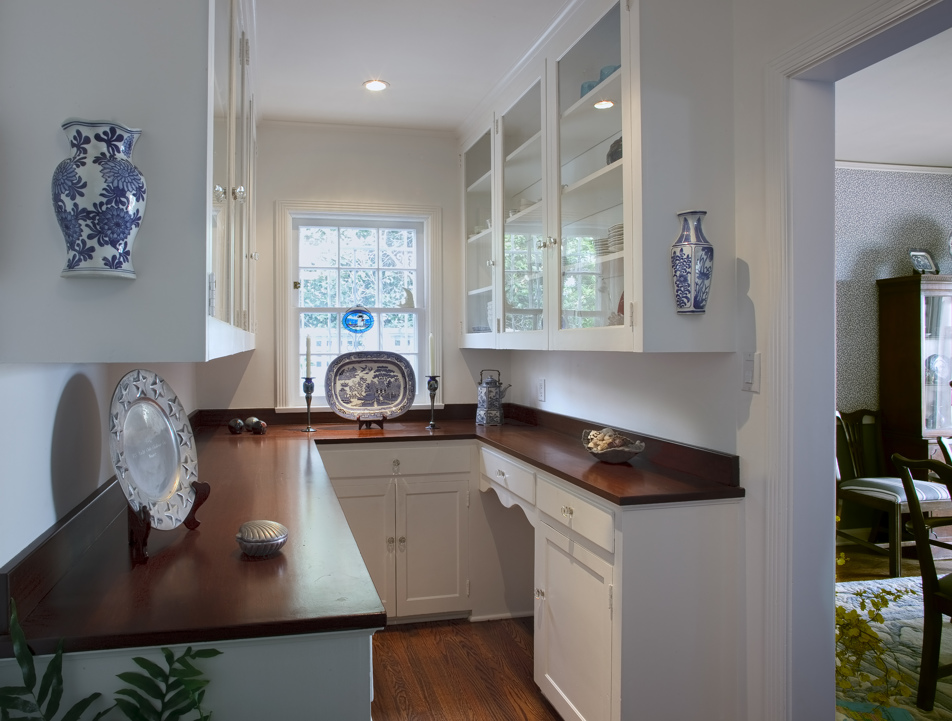 houser-colonial-kitchen-07