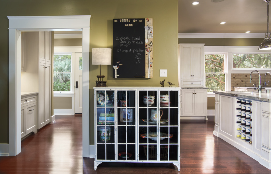 love-historic-prairie-kitchen-mudroom-remodel-melhorn-07